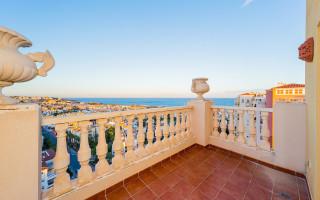 Appartement de 4 chambres à Torrevieja - AG4244
