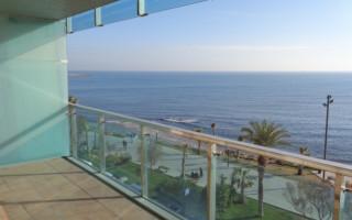 Ático de 2 habitaciones en Torrevieja  - AGI8541