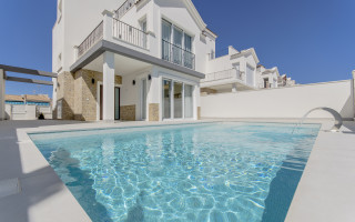 5 bedroom Villa in Torrevieja  - AGI119572