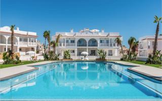 4 bedroom Villa in Ciudad Quesada  - AT7263