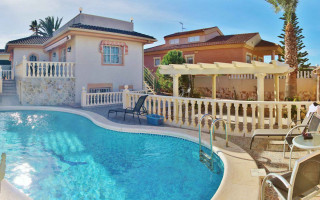 Villa de 4 chambres à San Miguel de Salinas - AGI6083