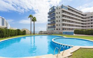 Bungalow de 3 chambres à Torrevieja - AGI115471