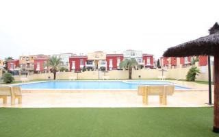 Bungalow de 2 chambres à Torrevieja - CRR90372802344