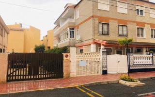 Bungalow de 3 chambres à Torrevieja - AGI115462