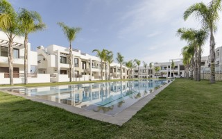 Bungalow cu 2 dormitoare în Torrevieja  - AGI5761