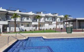Bungalow de 2 chambres à Orihuela Costa - OP116226