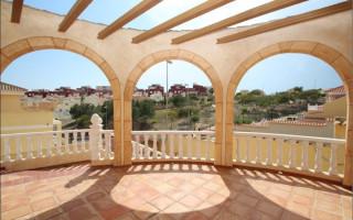 Vilă cu 3 dormitoare în Villamartin  - TN115051