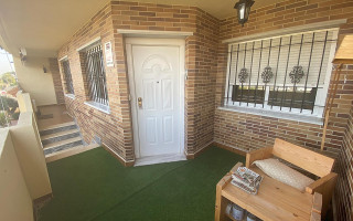 2 bedroom Apartment in Dehesa de Campoamor  - TR114285