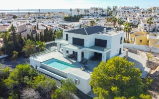 3 bedroom Apartment in Punta Prima  - W115899