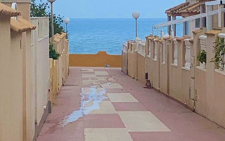 2 bedroom Apartment in Torrevieja - AGI8554