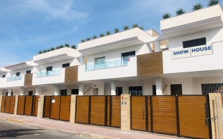 3 bedroom Apartment in Torrevieja  - ERF115828