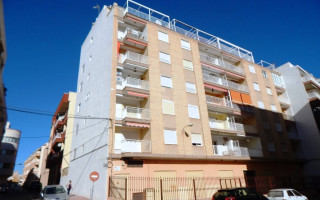 3 bedroom Apartment in Torrevieja - AG9540
