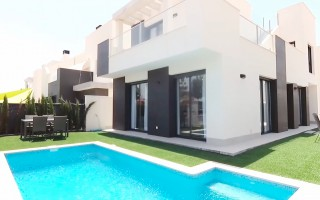 4 bedroom Apartment in Torrevieja - AG4244