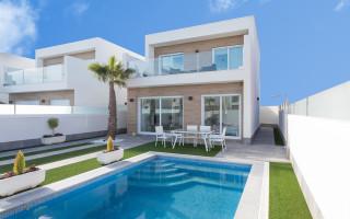4 bedroom Villa in Playa Flamenca - AG9117
