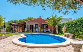 3 bedroom Villa in Los Balcones  - B2382