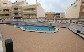 2 bedroom Apartment in Playa Flamenca  - TR114346