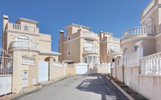2 bedroom Apartment in Torrevieja  - AGI115735