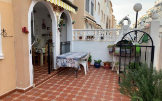 2 bedroom Apartment in Torrevieja - AGI8534