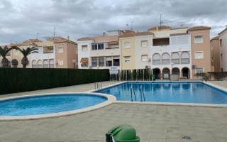 Appartement de 2 chambres à Torrevieja - AGI8540