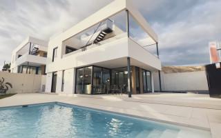 Appartement de 3 chambres à Torrevieja - AGI115579
