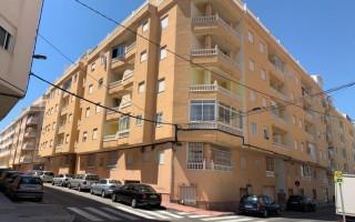 Appartement de 2 chambres à Torrevieja - AGI115484