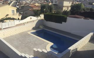 Appartement de 2 chambres à Torrevieja - AG5965