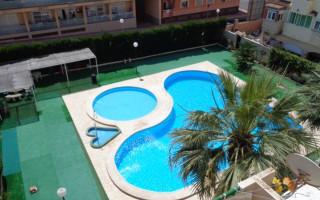 Appartement de 3 chambres à Torrevieja - AG8492