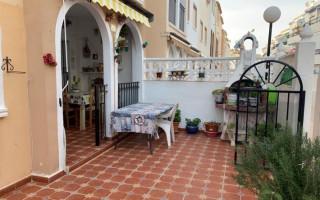 Appartement de 2 chambres à Torrevieja - AGI8534
