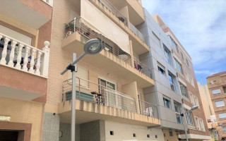 Appartement de 2 chambres à Torrevieja - AG8488