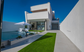 3 bedroom Villa in Torrevieja - AG4256