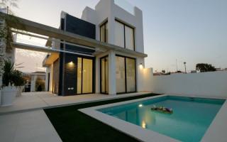 Villa de 4 chambres à Torrevieja - AGI2597