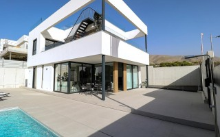 3 bedroom Apartment in Torrevieja - AGI115579