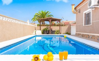 2 bedroom Apartment in Villamartin  - TM117249