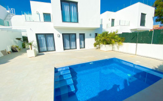 3 bedroom Apartment in Punta Prima  - GD7330