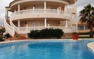 2 bedroom Bungalow in Torrevieja  - IM117120