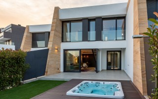 3 bedroom Townhouse in Villamartin  - TRI1111654