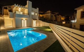 Duplex de 3 chambres à Villamartin - IV8395