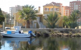 Penthouse de 2 chambres à Torrevieja - AG8429