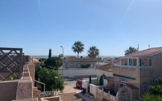 Appartement de 2 chambres à Torrevieja - AGI115479
