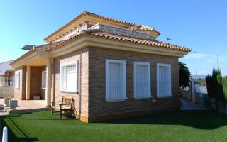 Villa de 4 chambres à Villamartin - VS115766