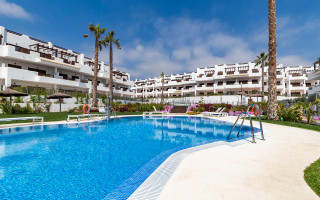2 bedroom Apartment in La Manga  - UBA116828