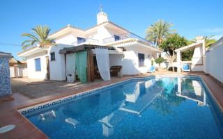 Villa de 3 habitaciones en Ciudad Quesada  - AGI8576