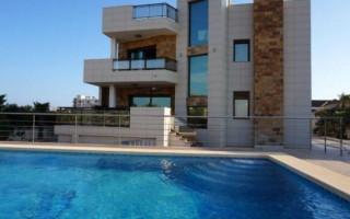 Villa de 3 chambres à La Mata - TT443