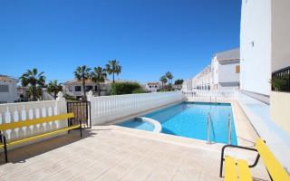 Villa de 3 habitaciones en La Zenia  - CRR80146752344