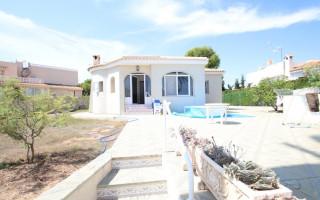 Villa de 3 habitaciones en La Zenia  - CRR86580262344