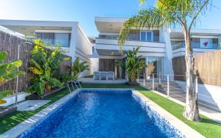 Villa de 3 habitaciones en Villamartin  - B3226