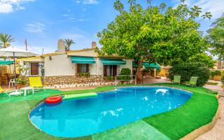 Villa de 4 chambres à Punta Prima - B2814