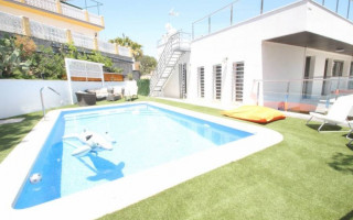Villa de 4 habitaciones en Dehesa de Campoamor  - CRR17698992344