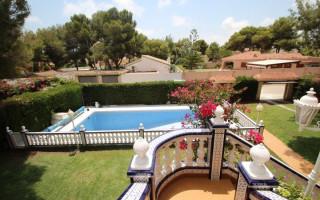 Villa de 4 habitaciones en Dehesa de Campoamor  - CRR68540382344