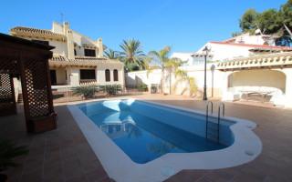 Villa de 4 habitaciones en Dehesa de Campoamor  - CRR77498232344